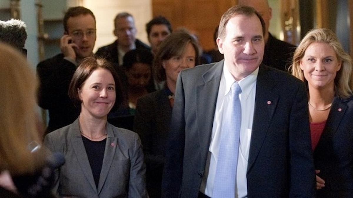 Arkivbild. Emma Lennartsson med Stefan Löfven och Magdalena Andersson. Foto: Leif R Jansson / TT