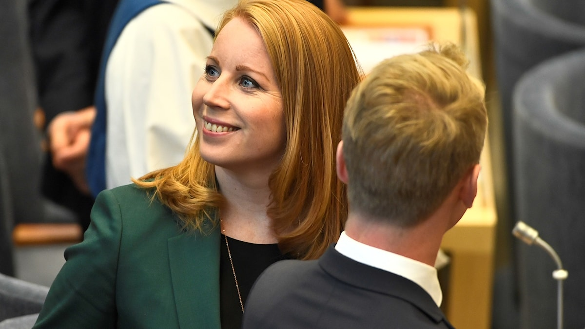 Annie Lööf (C) oo ku sugan xarunta baarlamanka Sweden furitaankiisii.