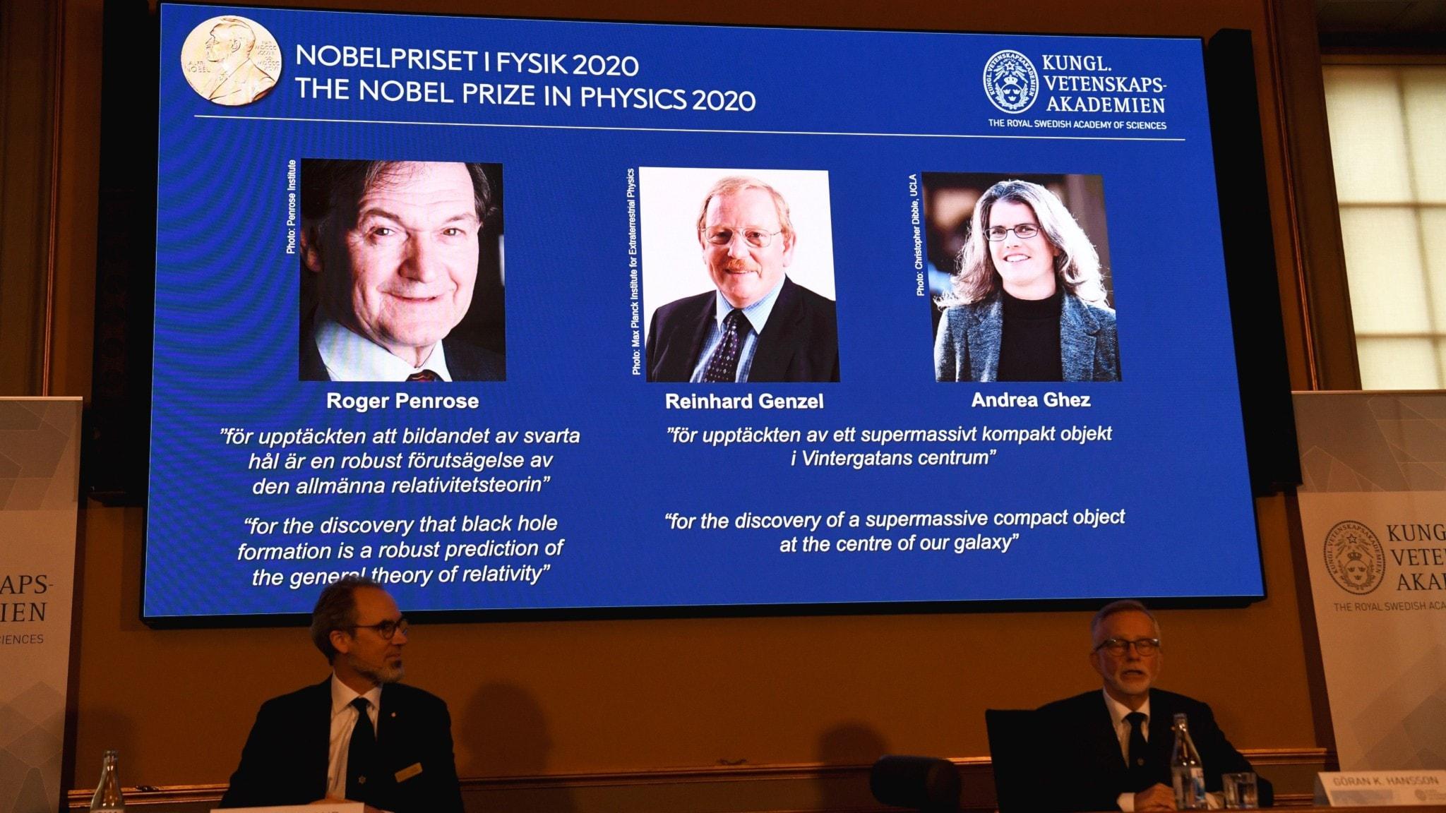 Årets Nobelpristagare i fysik Roger Penrose, Reinhard Genzel och Andrea Ghez presenterades på Kungliga Vetenskapsakademin idag.