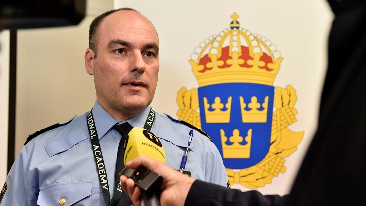 Madaxda booliska xuduudaha Patrik Engström.