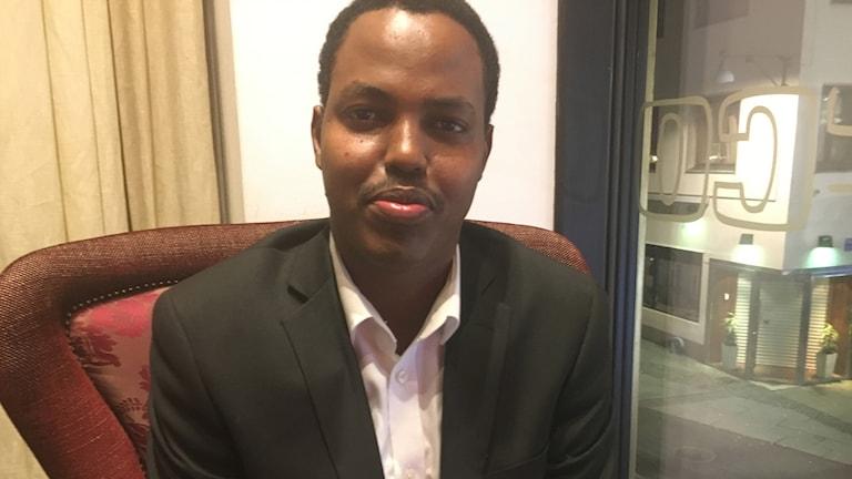 Cali Yasin Gurbe, guddoomiyaha ururka Somali dialogue center ee magaalada Göteborg.