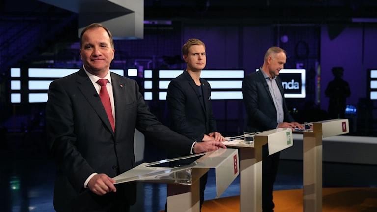 Stefan Löfven (S), Gustav Fridolin (MP) och Jonas Sjöstedt (V) under partiledardebatten i SVT:s Agenda