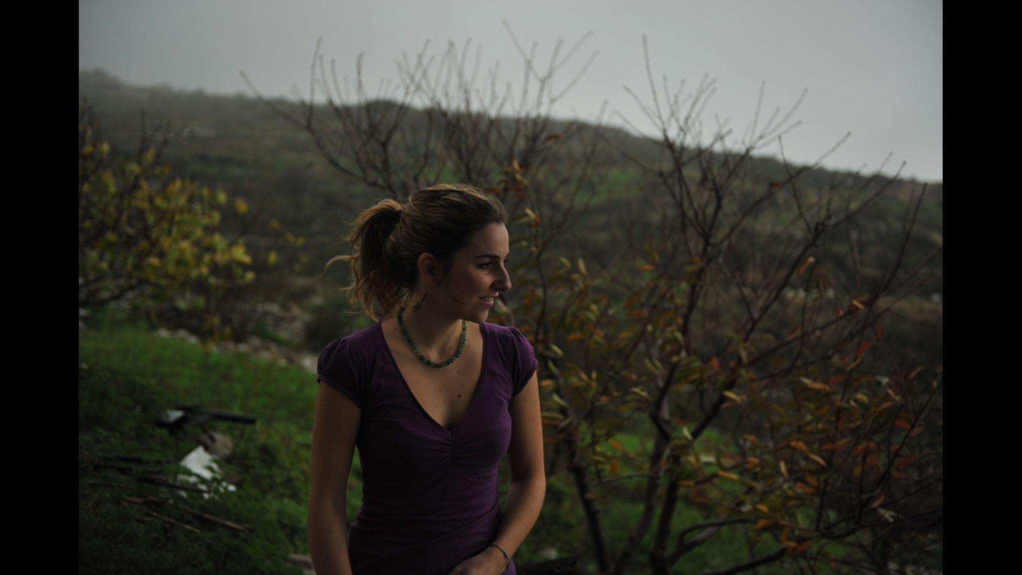 Grekiska Martha Mavroidi sjunger Ivan's Rachenitsas Κήπος του Ρίλα.