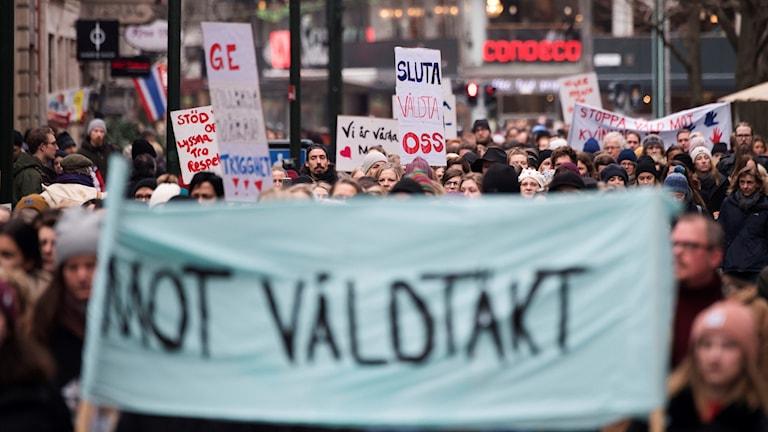 Meşek li dijî tecawiza cinsî îsal li Malmö.