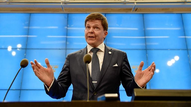 Andreas Norlen, serokê parlamena Swêdê.