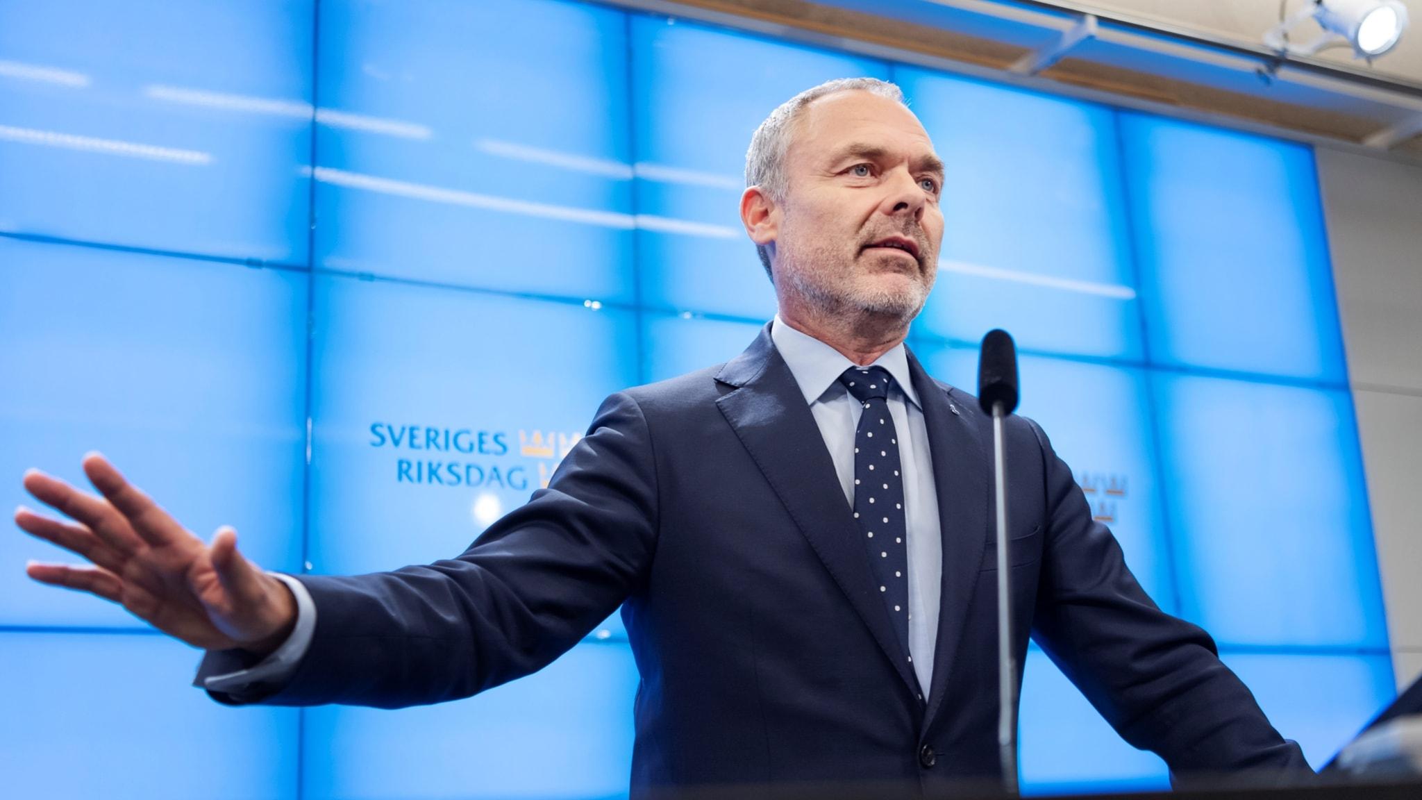 Jan Björklund dev ji serokatiya Partiya Lîberalan berdide. Divê Swêd ba?tir xwe ji bo vemirandina ?ewatên daristanan amade bike.