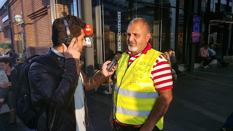 لەدەستی ڕاست، بەشار عەباس - wêne: Sveriges Radio/Hewa Abdelzadeh