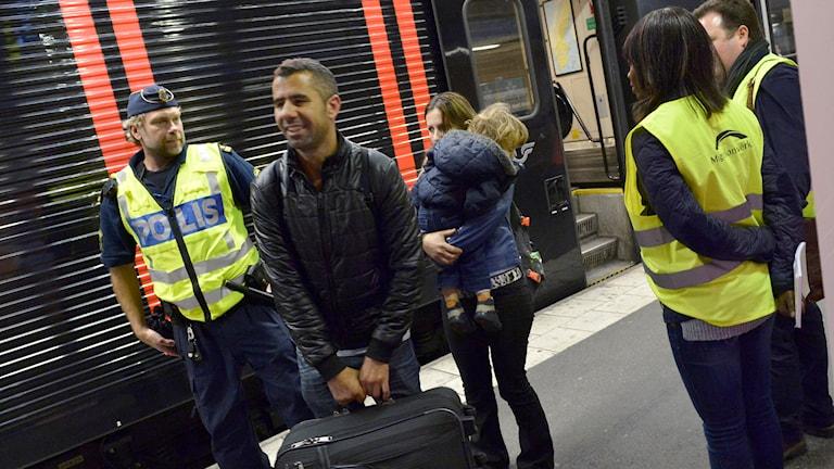 Nyanlända flyktingar. Foto: TT