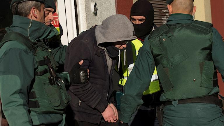 tabc50b8 spanien arrestering av misstänkt medlem i Islamiska staten. Foto: Alvaro Barrientos/AP.
