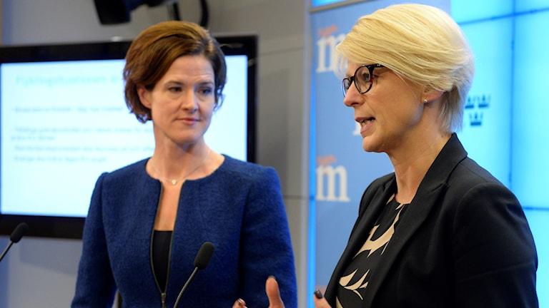 Anna Kinberg Batra û Elisabeth Svantesson. Foto: Anders Wiklund/TT