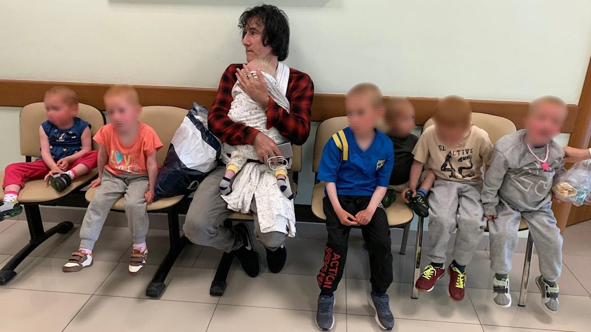 Michael Skråmos barn och deras morfar Patricio Galvez.