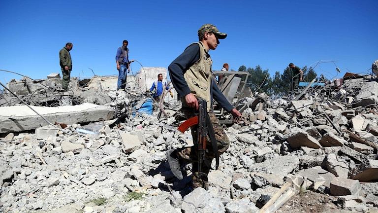 Dîmek ji cihê êrişkirî nêzîkî Dêrikê li Rojava.