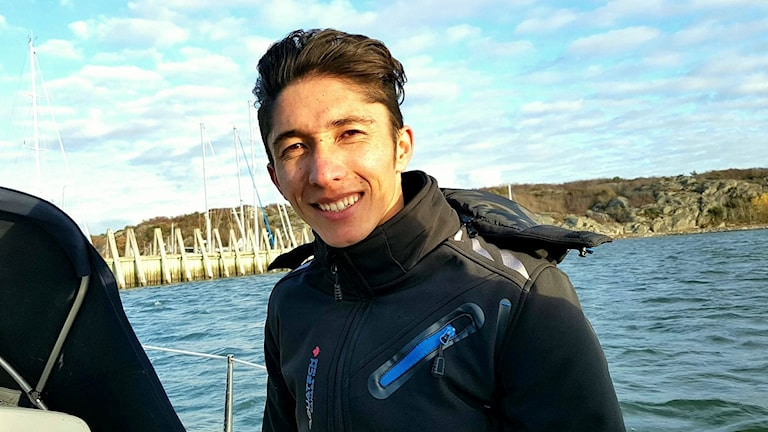 Timor Sultani has learnt sailing from his friend Niklas.
