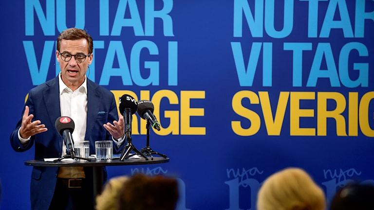 Serokê partiya moderatan Ulf Kristersson.