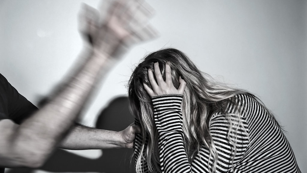 Våld i nära relationer och hedersvåld befaras öka under pandemin.