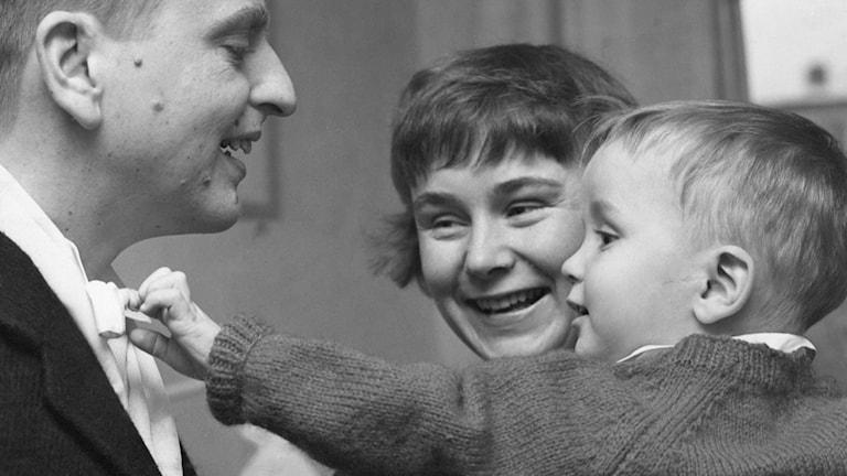 Olof Palme Lisbeth Palme och barnet