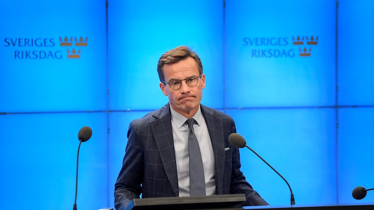 Ulf Kristersson di konferansa rojnamevanî ya îro de.