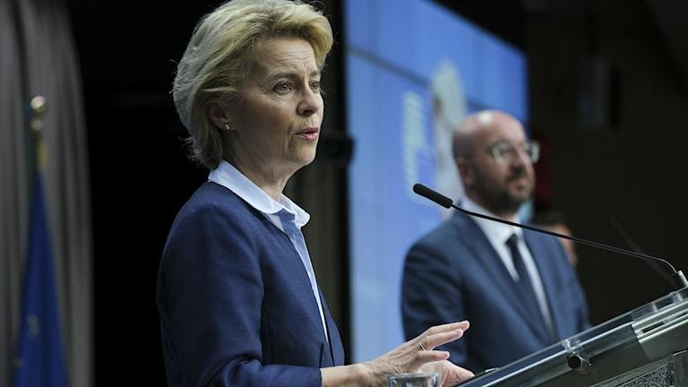 یەکێتیی ئەورووپا ٧٥٠ ملیار یۆرۆ هاریکاریی دارایی وڵاتەکانی دەکات، پێداچوونەوە بەوانەی سویدی وەک زمانی دووەمدا دەکرێت.