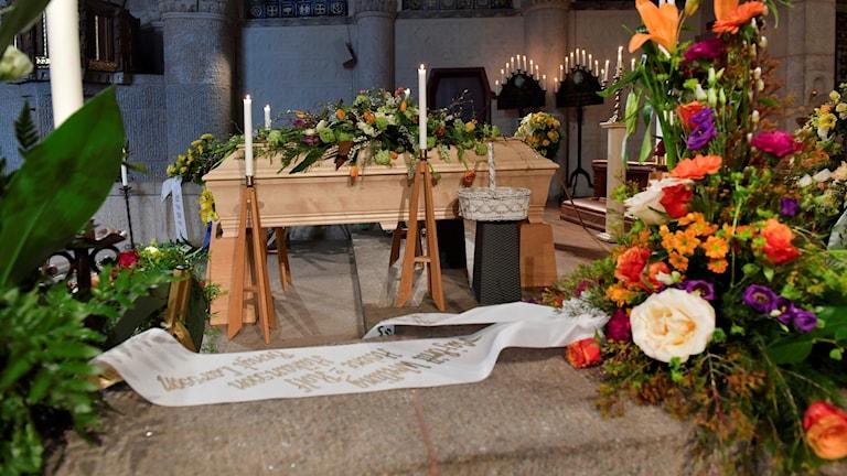 Begravning kista
