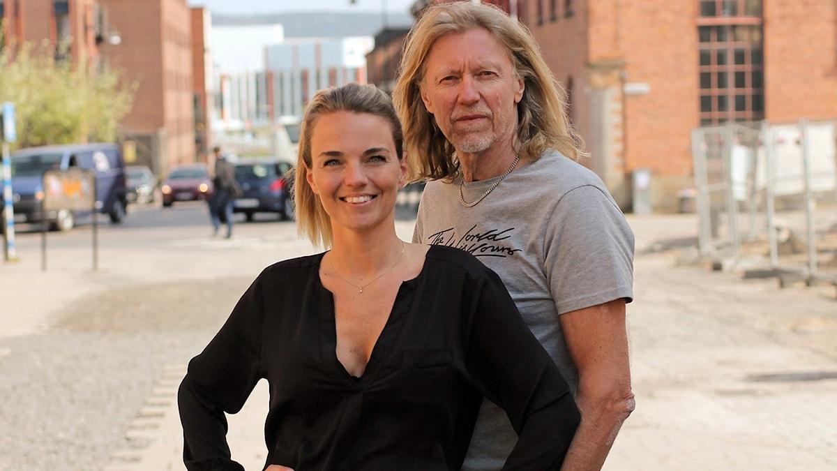Sofie Carme och Hasse Pettersson programleder Förmiddag i P4 Jönköping.