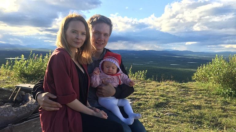 Ida Persson Labba och Viktor Lund Mikko i Unga föräldrar