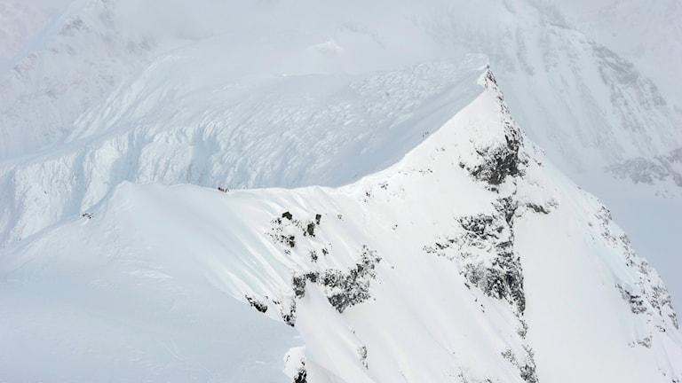 Rabots glaciär vid Kebnekaise har dragit sig tillbaka runt 80 meter sedan 2008, visar Lantmäteriets nya kartläggning.  NORWEGIAN ARMED FORCES/TT