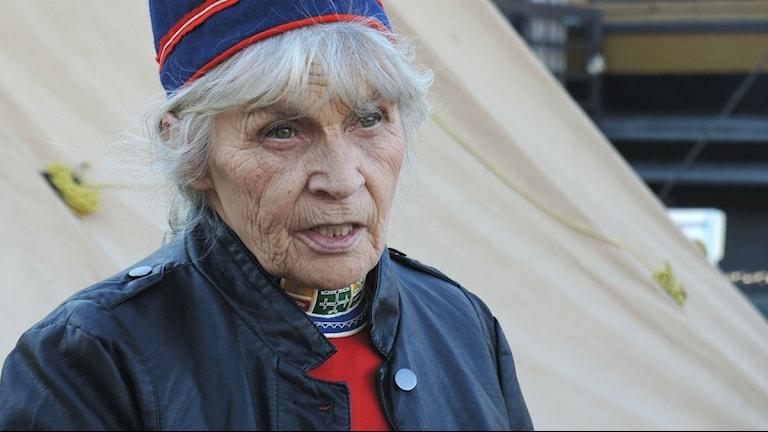Maj-Doris Rimpi berättade om samiska slöjd. Foto: Olle Kejonen / SR Sameradion