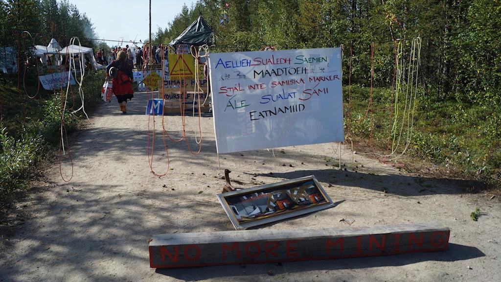 Protest mot gruvbrytning i Gállok. Foto: Anna Sunna, Sveriges Radio Sameradion.