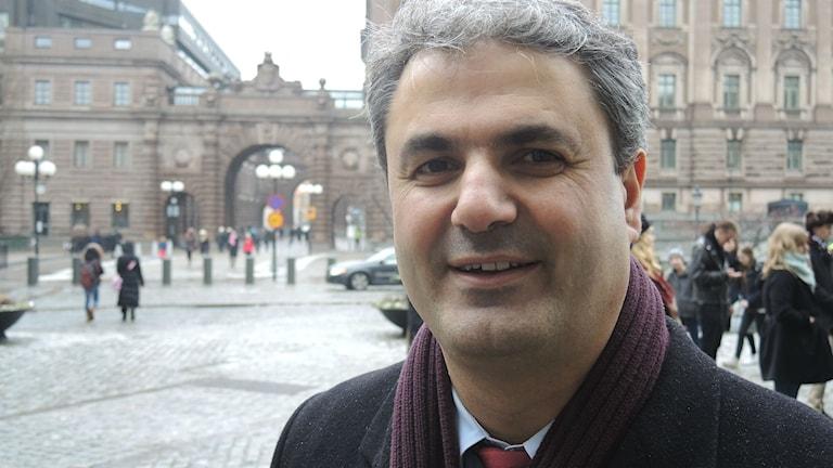 Ibrahim Baylan, utbildningspolitisk talesperson för Socialdemokraterna. Foto: Olle Kejonen / SR Sameradion