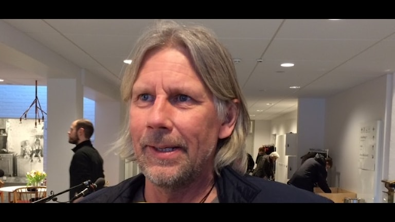 Mickael Lindbladh, Såhkie berättar om varför han slutar som ledare för samiska veckan. Foto: Ole Isak Mienna, Sameradion