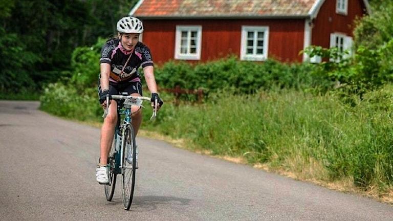 Aana Edmonson när hon cyklade vätternrundan i juni.