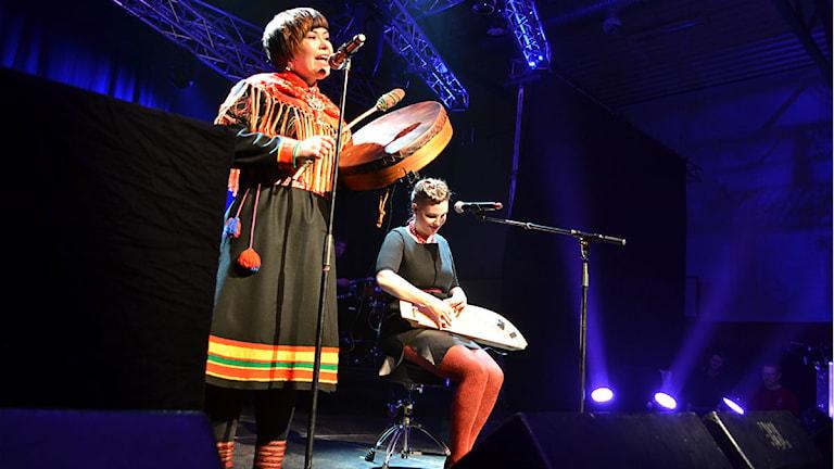 Aila-duo - Heli Aikio och Jessika Lampi. Foto: Marica Blind/Sameradion