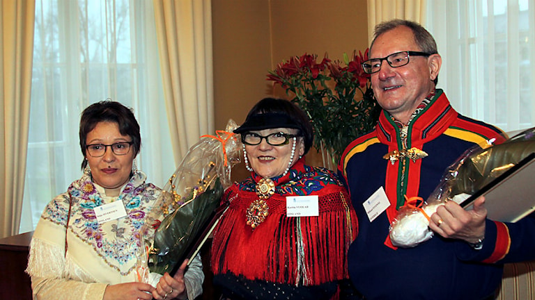Gollegiella språkpris, vinnare 2014. Seija Sivertsen, Kerttu Vuolab och Mikael Svonni. Foto: YLE
