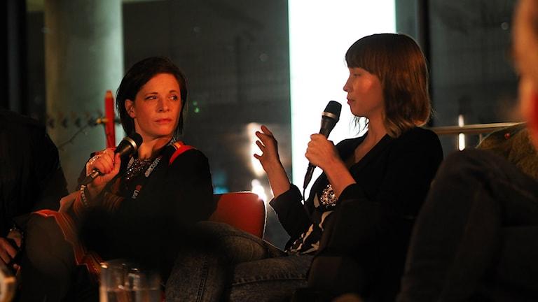 Liselott Wajstedt och Marja Bål Nango i debatt om samisk film Foto Lari Honkanen