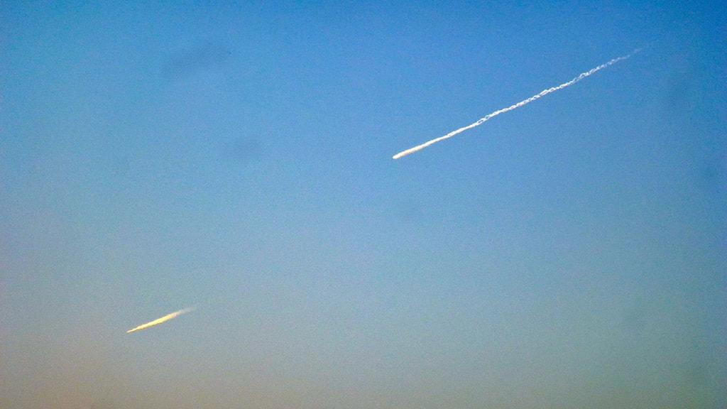Två meteorer fotograferade i Fjällnäs utanför Kiruna. Foto: Lars Jönsson / Privat