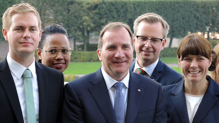 Gustav Fridolin (MP), Alice Bah Kuhnke (MP), Stefan Löfven (S), Mikael Damberg (S), Åsa Romson (MP). Foto: SR Sameradion