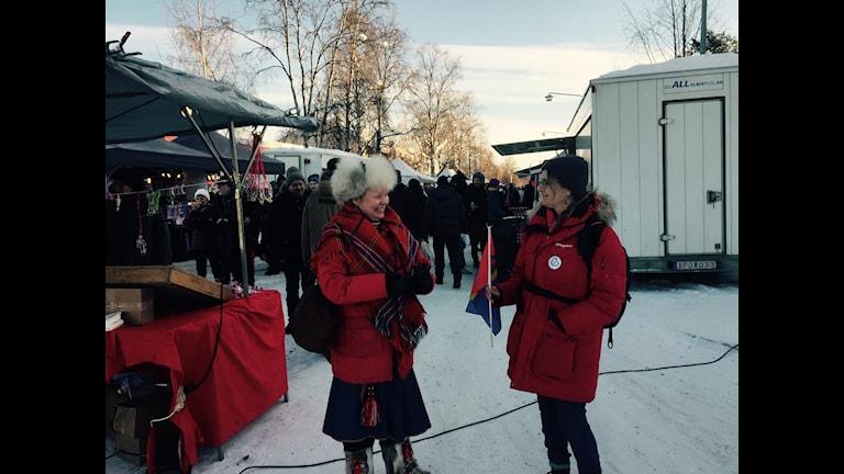 May Britt Öhman och Gunilla Larsson är med och arrangerar morgondagens gruvdemonstration. Foto Mikaela Sjöstedt/SVT Sàpmi