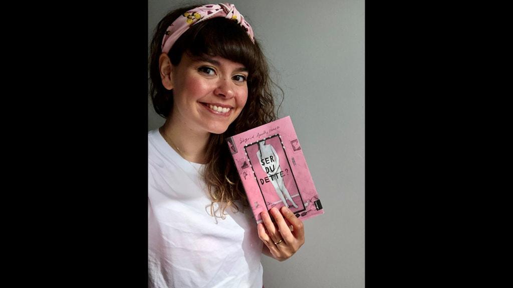 Sigrid Agnethe Hansen men hennes debutroman <<Ser du dette?>>