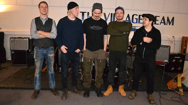 Anton Vallin, Frithiof Stenvall, Andreas Larsson, Tomas Mannberg och Christoffer Eriksson. Foto: Marica Blind/Sameradion & SVT Sápmi