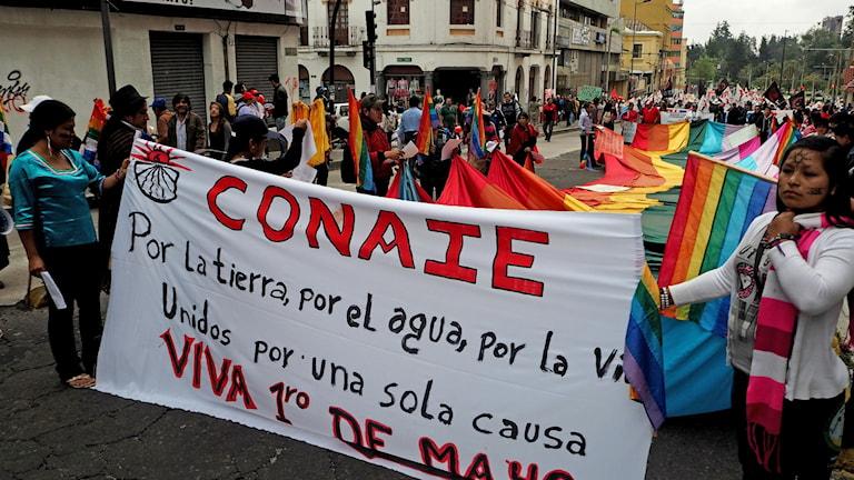 Urfolksorganisationen CONAIE demonstrerar för bättre förhållanden, i Quito, Ecuador, 2015 (arkivbild) FOTO: Lari Honkanen/Sameradion & SVT Sápmi