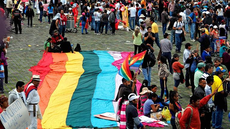Urfolken marscherade till San Fransisco-torget i Quito Foto: Lari Honkanen/Sameradion & SVT Sápmi