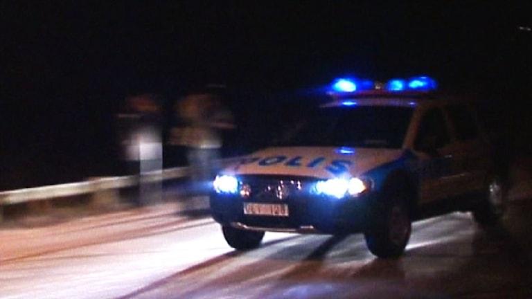 Polisbil med blåljus. Foto: SVT