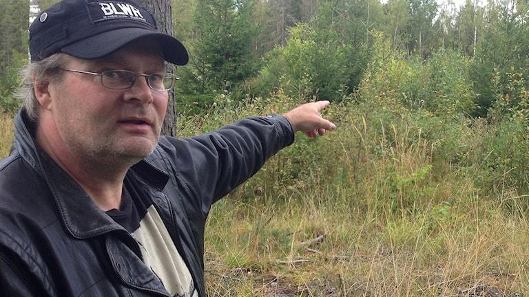 Jouni Tervalampi vid samisk boplats utanför Västerås. Foto: Jörgen Heikki, SR Sameradion & SVT Sápmi.