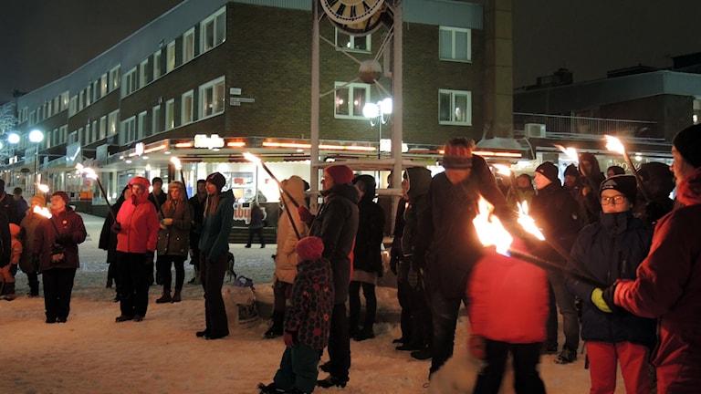 Manifestation till minnet av kristallnatten i Kiruna. Foto: Sameradion & SVT Sápmi