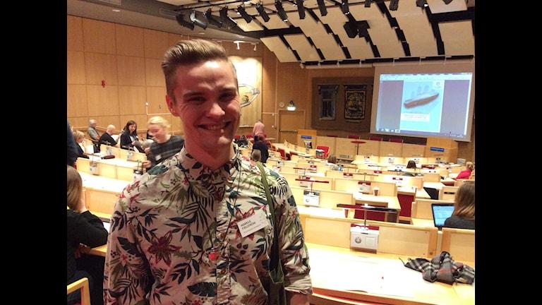 Markus Fjällström, doktorand på arkeologiska forskningslaboratoriet vid Stockholmsuniversitet. Foto: Anna Sunna/Sameradion & SVT Sápmi