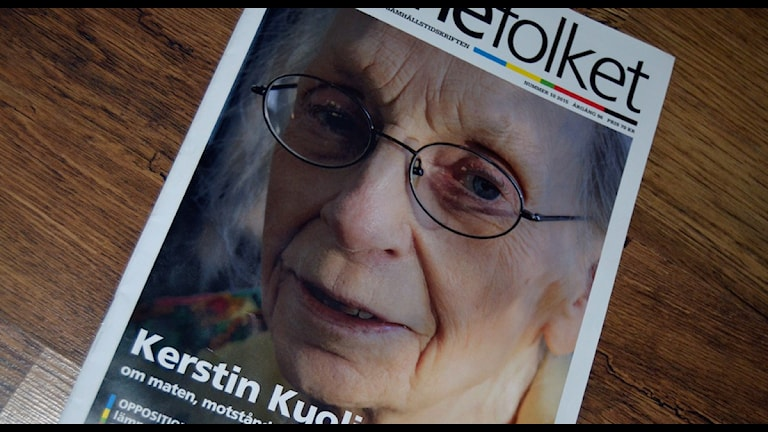 I höstas skrev tidningen Samefolket en lång artikel om Kerstin Kuoljok. Fotot av Kerstin Kuoljok är taget av Åsa Lindstrand. (Foto: Thomas Sarri/Sameradion & SVT Sápmi)