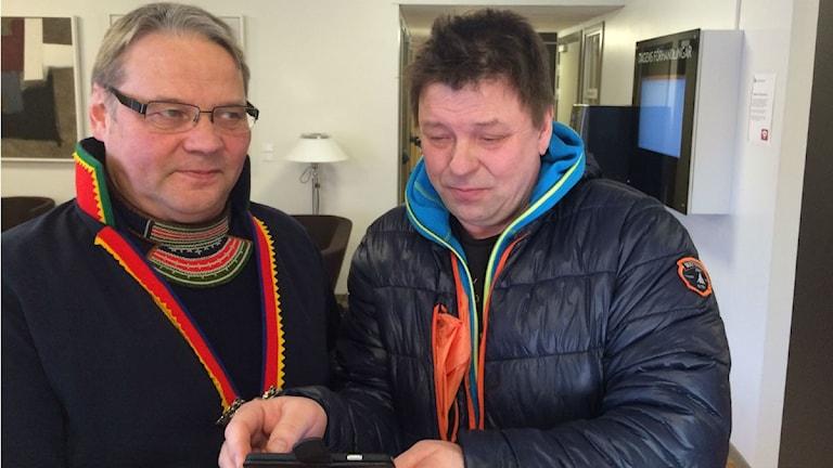 SSRs ordförande Jörgen Jonsson och Girjas Samebys Ingemar Blind Foto: John Kuoljok
