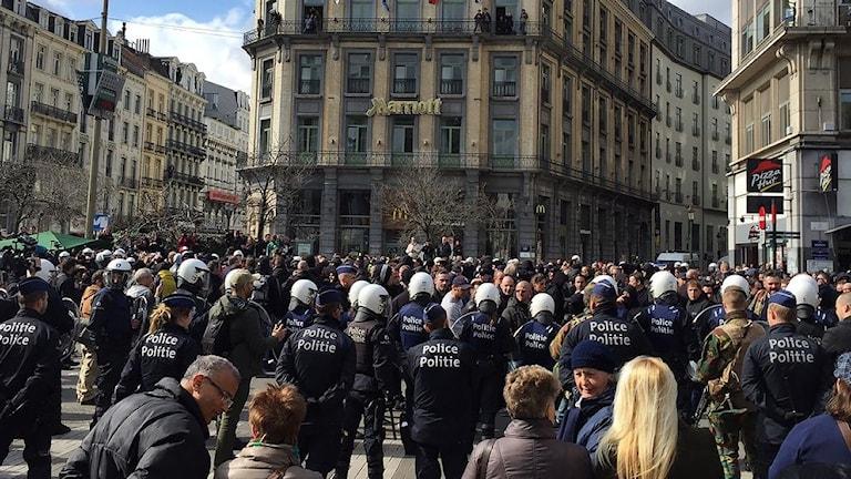 Oroligt vid minnesplasten i Bryssel. Foto: SVT