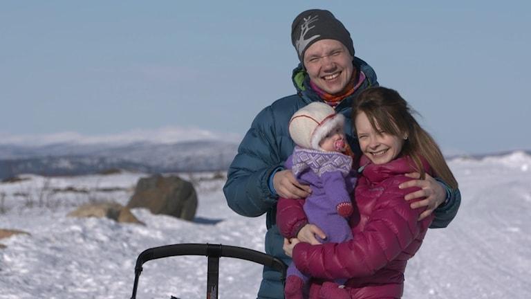 Ida Persson Labba & Viktor Lund Mikko med dotter. Foto: Pressbild