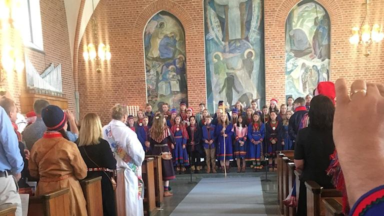 Konfirmander på samiska konfirmationen i Burträsk.